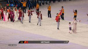 Đoàn thể thao Việt Nam diễu hành tại lễ khai mạc SEA Games