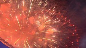 Màn pháo hoa rực sáng kết thúc lễ khai mạc SEA Games