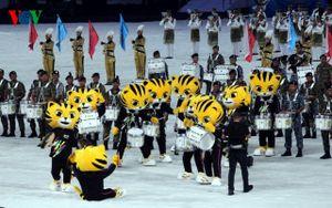 Cận cảnh khai mạc SEA Games 29: Bukit Jalil sôi động và rực rỡ sắc màu