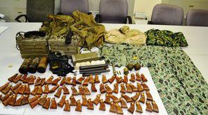 Bắt giữ hành khách mang hàng loạt vũ khí quân sự lên máy bay