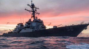 Clip cận cảnh chiến hạm Mỹ vừa có cú đâm kinh hoàng giữa biển