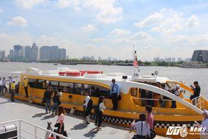 Trải nghiệm tuyến buýt đường thủy đầu tiên trên sông Sài Gòn