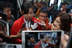 Ánh Viên bị truyền thông vây chặt sau khi phá kỷ lục SEA Games