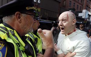 Hừng hực biểu tình ở Boston (Mỹ) phản đối những phát ngôn gây thù hằn