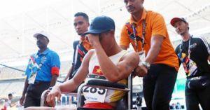 Đương kim vô địch Nguyễn Văn Huệ 'chia tay' SEA Games bằng xe lăn