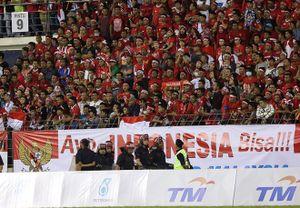 CĐV Indonesia cuồng nhiệt, an ninh Malaysia lo toát mồ hôi