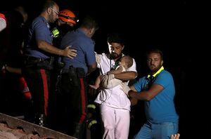 Bé 7 tháng tuổi sống sót thần kỳ sau động đất ở Ischia (Italy)