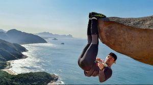 'Ngã ngửa' với sự thật đằng sau mỏm đá sống ảo gây bão mạng xã hội ở Brazil