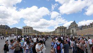 Pháp: Số lượng khách du lịch đổ về Paris tăng mạnh