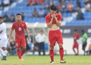 Cú penalty 'bắn chim' của Công Phượng ở trận thua Thái Lan