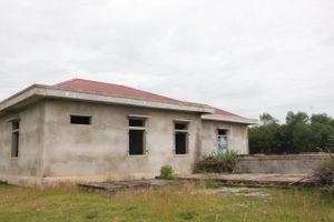 Nhà máy nước gần 25 tỷ bỏ hoang, dân thiếu nước sạch