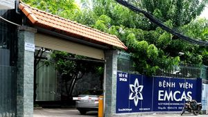 Điều tra vụ một phụ nữ hôn mê sau gọt cằm ở Bệnh viện thẩm mỹ Emcas