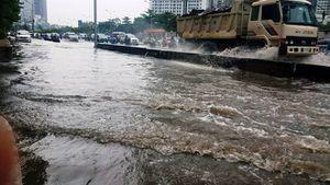 'Siêu máy bơm' hút cạn 'rốn ngập' 60cm trong 13 phút ở Sài Gòn