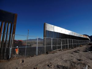 California kiện chính quyền Trump vì tường biên giới