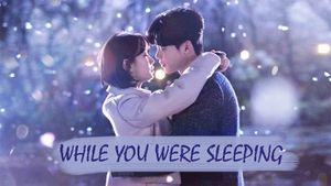 Điều gì khiến 'mọt phim Hàn' chờ đợi ở 'While You Were Sleeping'?