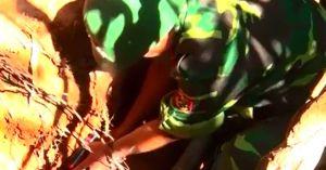 Xem công binh Quảng Trị đặt thuốc huỷ nổ bom tại rẫy