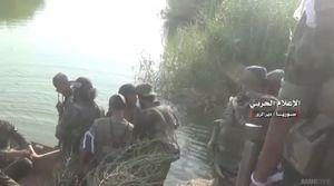 Quân đội Syria nghiền nát IS bằng hỏa lực pháo binh, xe tăng (video)