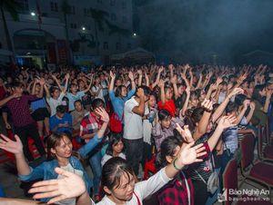 Tưng bừng cùng bước nhảy sinh viên Trường Đại học Vinh