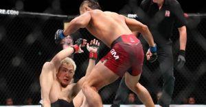 UFC: U50 máu chiến, 90 giây bị tặng 'ngũ độc thần chưởng'