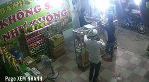 Đôi nam nữ dàn cảnh trộm điện thoại trong cửa hàng bánh