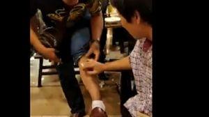 Chuột chui ống quần thực khách trong nhà hàng lẩu