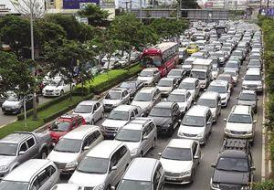 TPHCM đề xuất thu phí xe ôtô vào trung tâm để giải quyết kẹt xe: Coi chừng phá sản!