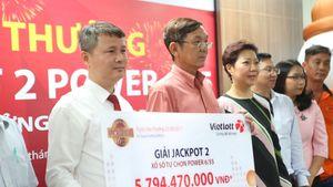 Trúng Vietlott chỉ 6 tỷ đồng, người nhận thưởng bỏ mặt nạ