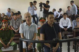 Phiên toà xét xử vụ nhắn tin khủng bố Chủ tịch tỉnh Bắc Ninh bị hoãn sau 15 phút