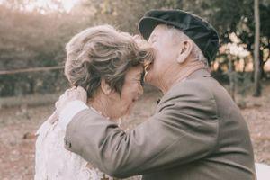Bộ ảnh cưới tuyệt đẹp của cặp vợ chồng sau 60 năm bên nhau