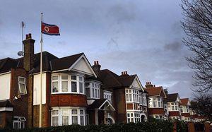 Anh phát hiện ba lô khả nghi ngoài Đại sứ quán Triều Tiên ở London