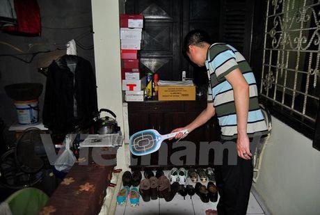 16.000 nguoi dan tai Ha Noi khon kho song chung voi... muoi - Anh 1