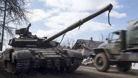NATO to cao Nga tiep tuc hau thuan phe ly khai o mien Dong Ukraine - Anh 1