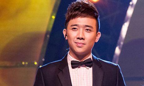 MC Tran Thanh soc voi clip nu sinh Tra Vinh danh nhau - Anh 1