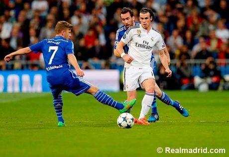 Ronaldo tuc gian trong ngay lap sieu ky luc - Anh 16