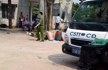Tai nan tau hoa tham khoc: Hanh khach mac ket o ga Quang Tri - Anh 12