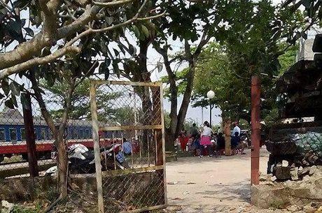 Tai nan tau hoa tham khoc: Hanh khach mac ket o ga Quang Tri - Anh 13