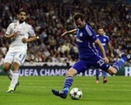 Real thua soc, Ronaldo tuyen bo tay chay bao gioi - Anh 2