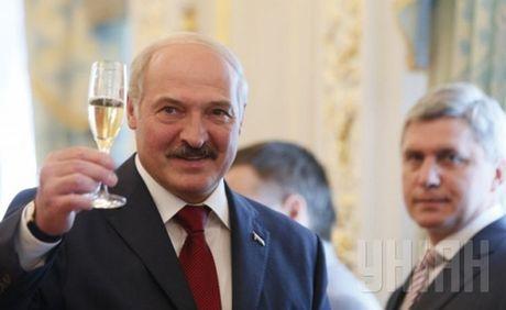 Tong thong Lukashenko: Nga va Belarus cung mang mot dong mau - Anh 1
