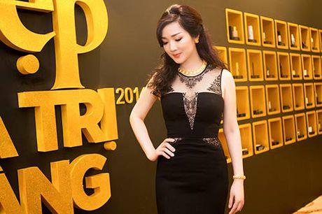 HH Giang My sanh dieu ben giam khao Trac Thuy Mieu - Anh 3