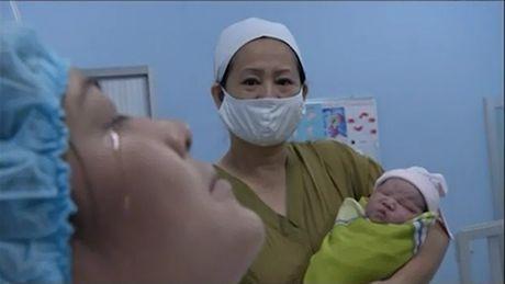 """Chong san phu trong clip xuc dong: """"Toi khong muon nhac lai chuyen cu"""" - Anh 1"""