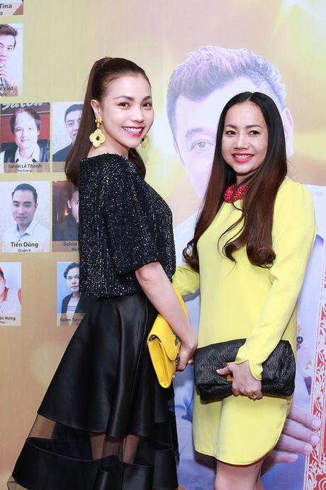 Tra Ngoc Hang dua chi gai di du event - Anh 4