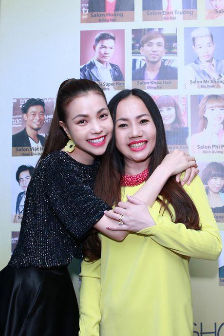 Tra Ngoc Hang dua chi gai di du event - Anh 5