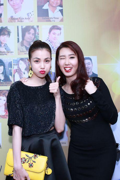 Tra Ngoc Hang dua chi gai di du event - Anh 7
