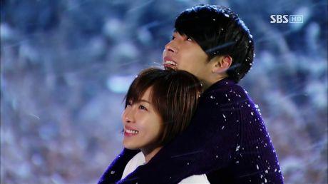 12 nam theo nghiep dien, Hyun Bin phien long vi phim co rating thap ky luc - Anh 2
