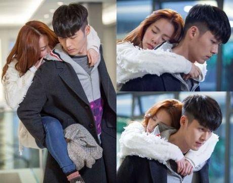 12 nam theo nghiep dien, Hyun Bin phien long vi phim co rating thap ky luc - Anh 7