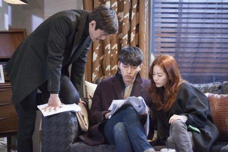 12 nam theo nghiep dien, Hyun Bin phien long vi phim co rating thap ky luc - Anh 8