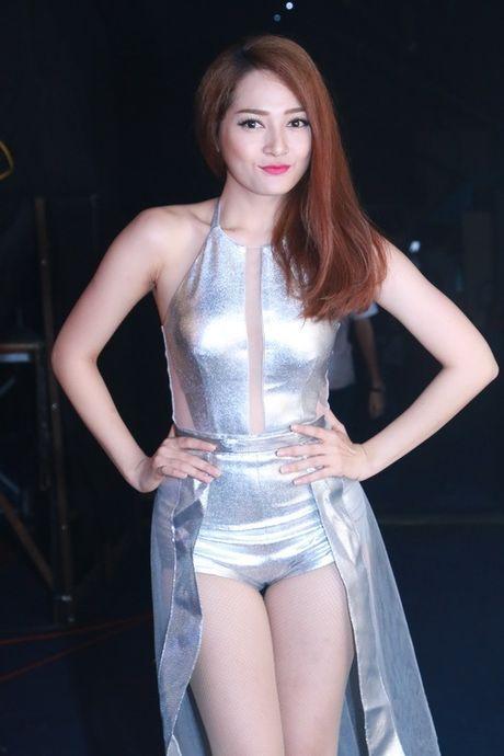 Diem danh nhung bo canh sexy kho cuong cua The Remix - Anh 7