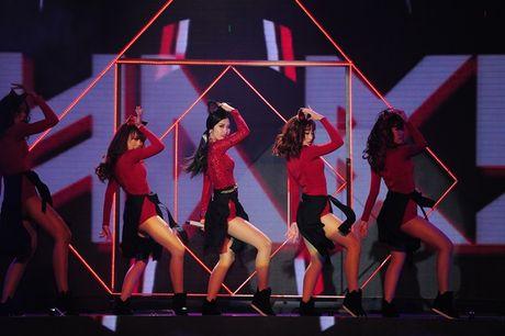 Diem danh nhung bo canh sexy kho cuong cua The Remix - Anh 6