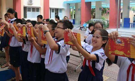 Hanh trinh 10 nam day tre hoc cach yeu thuong - Anh 3