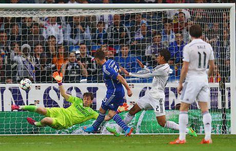 Real 3-4 Schalke: Nha vo dich suyt bi loai du CR7 lap ky luc - Anh 19